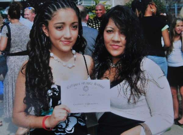 Jennifer Mejia, 18, left, with her mother, Antonia.