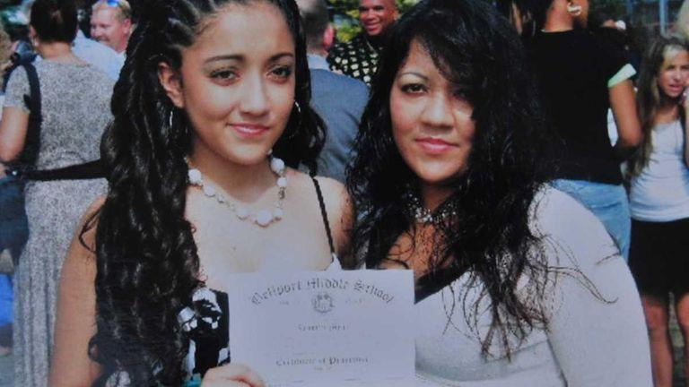 Jennifer Mejia, 18, left, with her mother, Antonia.