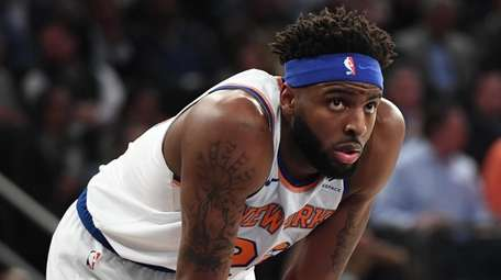Knicks center Mitchell Robinson against the Raptors at