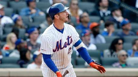 Pete Alonso of the Mets follows through on