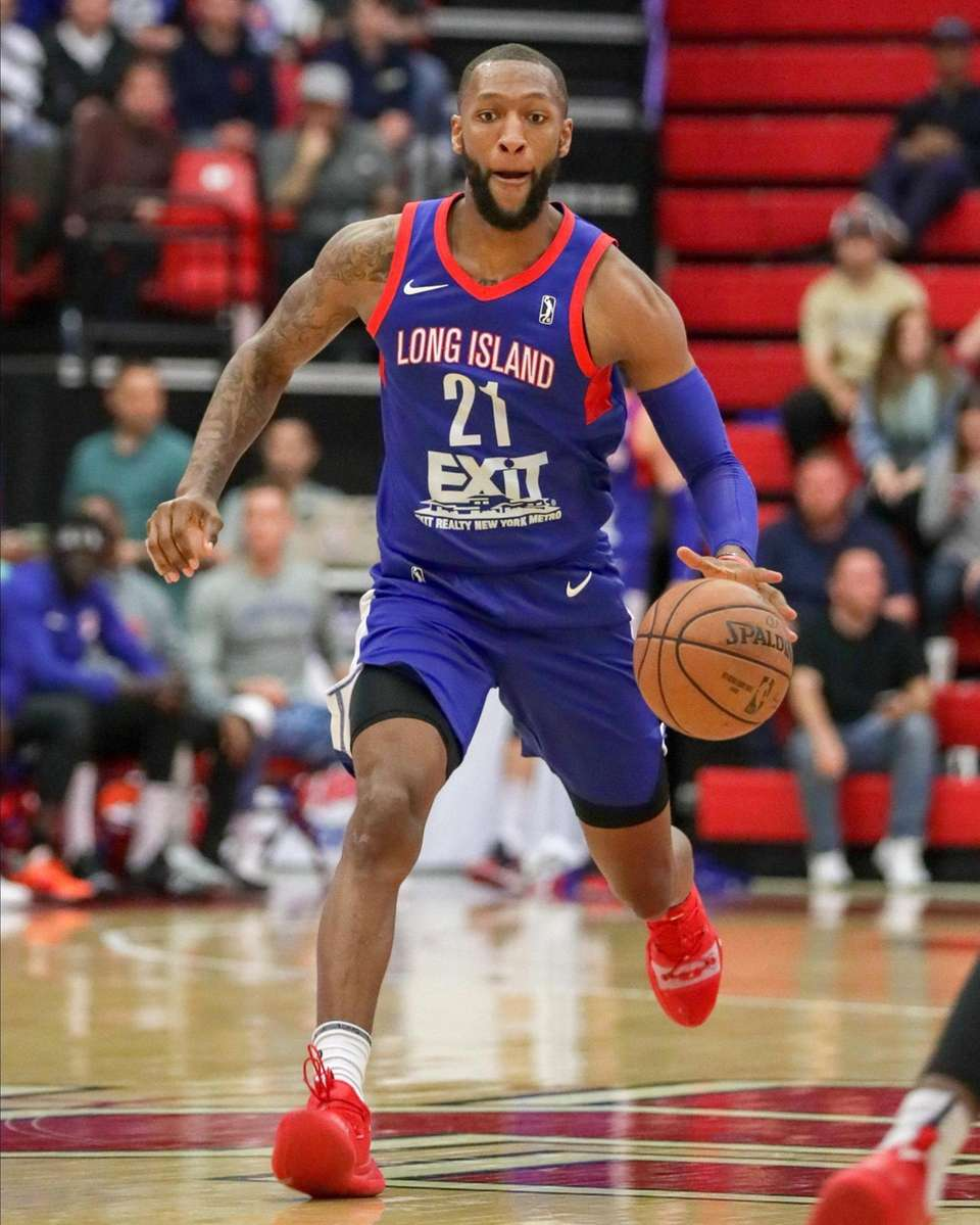 Kamari Murphy #21 of the Long Island Nets