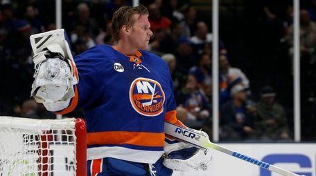 Robin Lehner #40 of the New York Islanders