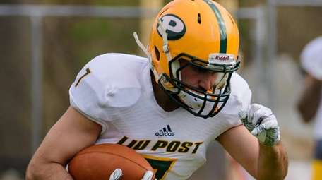 Tommy Donovan during the LIU Post spring football