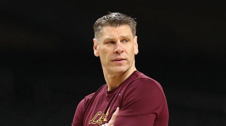 Head coach Porter Moser of the Loyola Ramblers