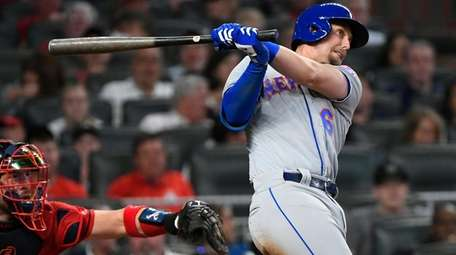 Mets' Jeff McNeil watches two-run double to right