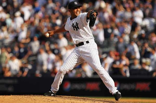 Mariano Rivera of the New York Yankees pitches