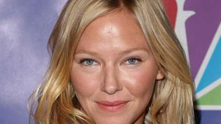 Actress Kelli Giddish has been added to the