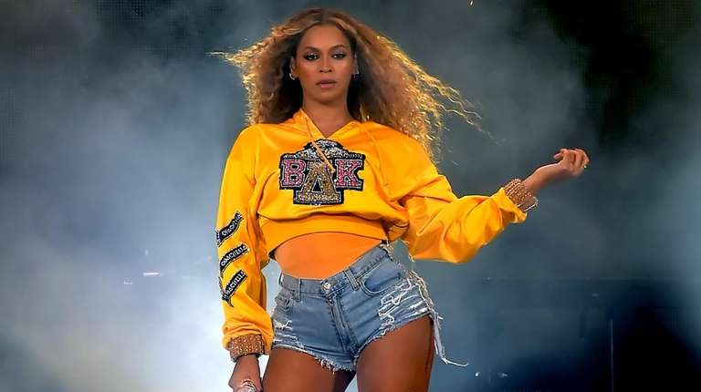 Beyoncé performs at the 2018 Coachella Valley Music