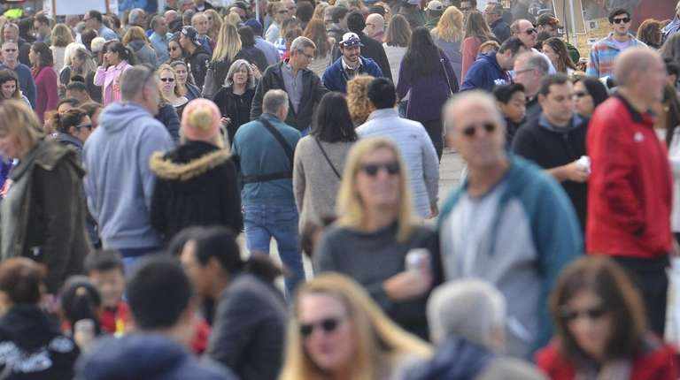 In Suffolk and Nassau counties, more people moved