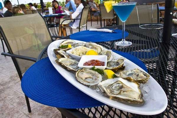 Maliblue Oyster Bar in Lido Beach serves fresh