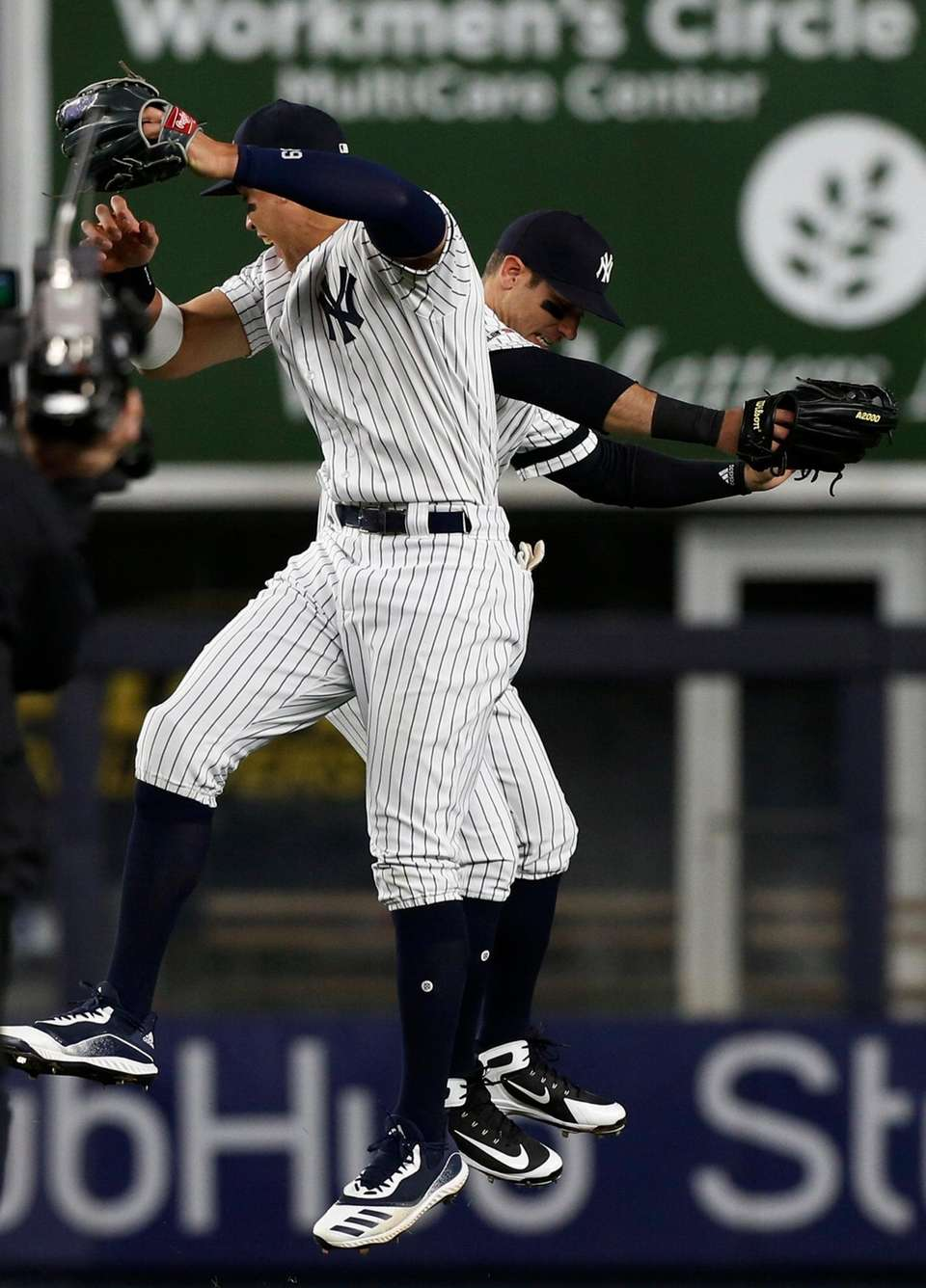 Aaron Judge #99 and Mike Tauchman #39 of