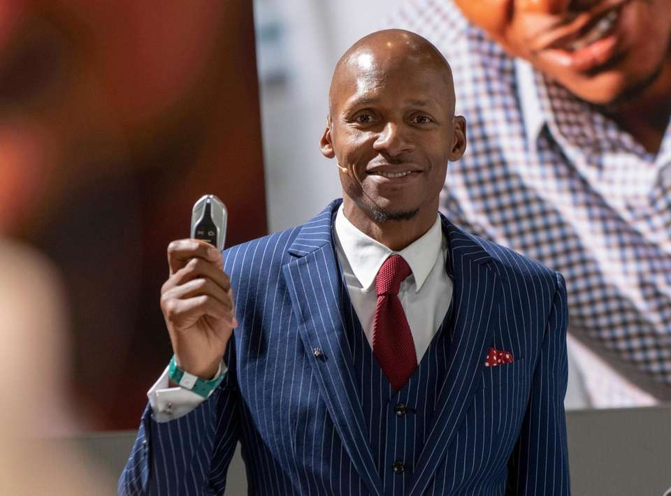 Former NBA star Ray Allen with the key