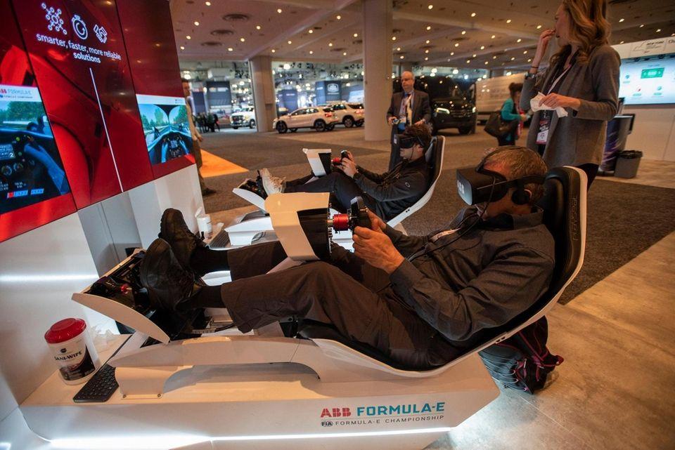 Formula-E simulator uses VR to simulate the drive