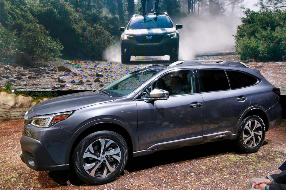 The 2020 Subaru Outback Touring is presented at