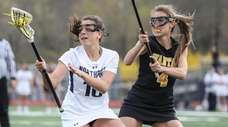 Northport's Olivia Carner makes a quick cut in
