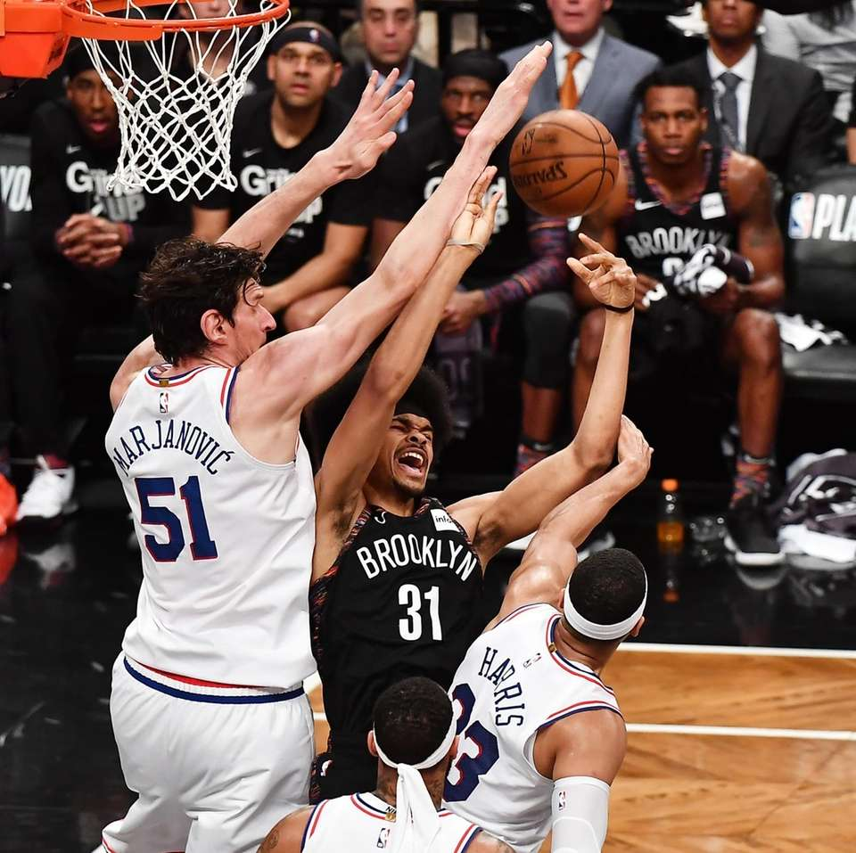 76ers center Boban Marjanovic (51) and 76ers forward