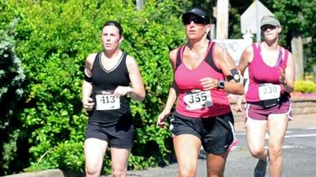 Runners kick off Fourth of July weekend by