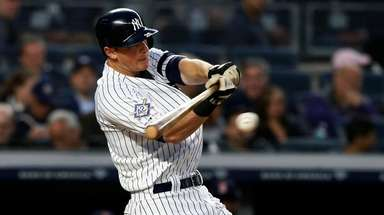 DJ LeMahieu of the Yankees connects on a