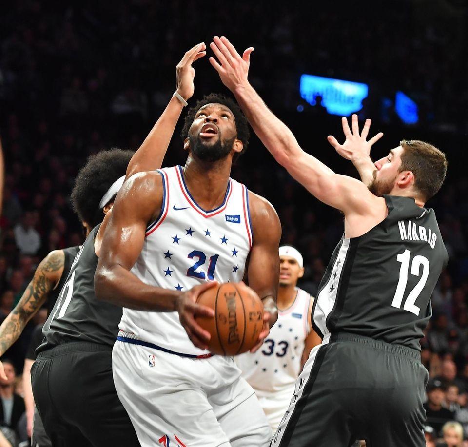 Nets center Jarrett Allen (31) and Nets forward