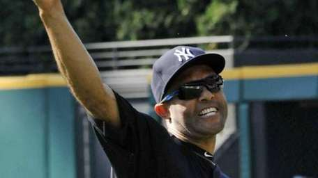 Yankees' Mariano Rivera warms up before a game