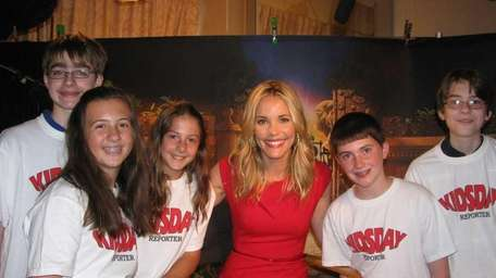 Actress Leslie Bibb with Kidsday reporters, from left