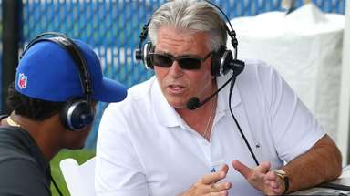 WFAN radio host Mike Francesa talks to New