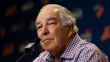 Former Met Ed Kranepool talks during a news