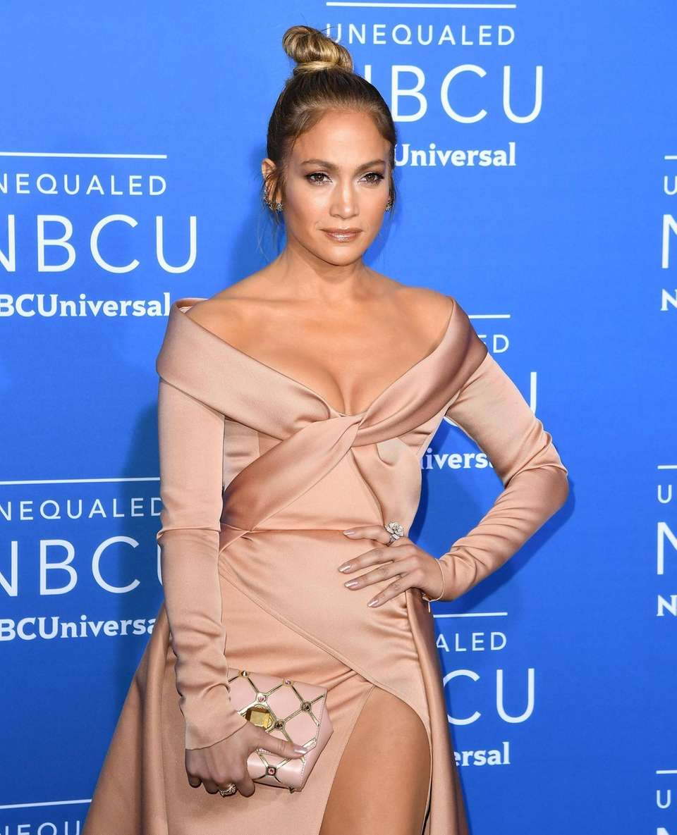 Jennifer Lopez attends the NBCUniversal 2017 Upfront on
