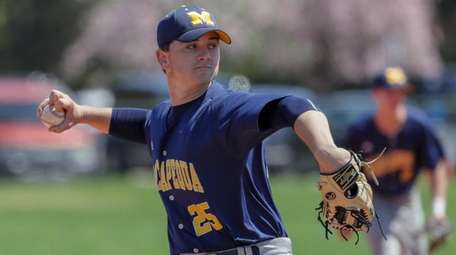 Bobby Conlon #25 of Massapequa delivers the pitch