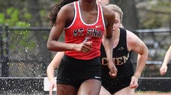 Mount Sinai's Kaitlyn Chandrika competes in the open