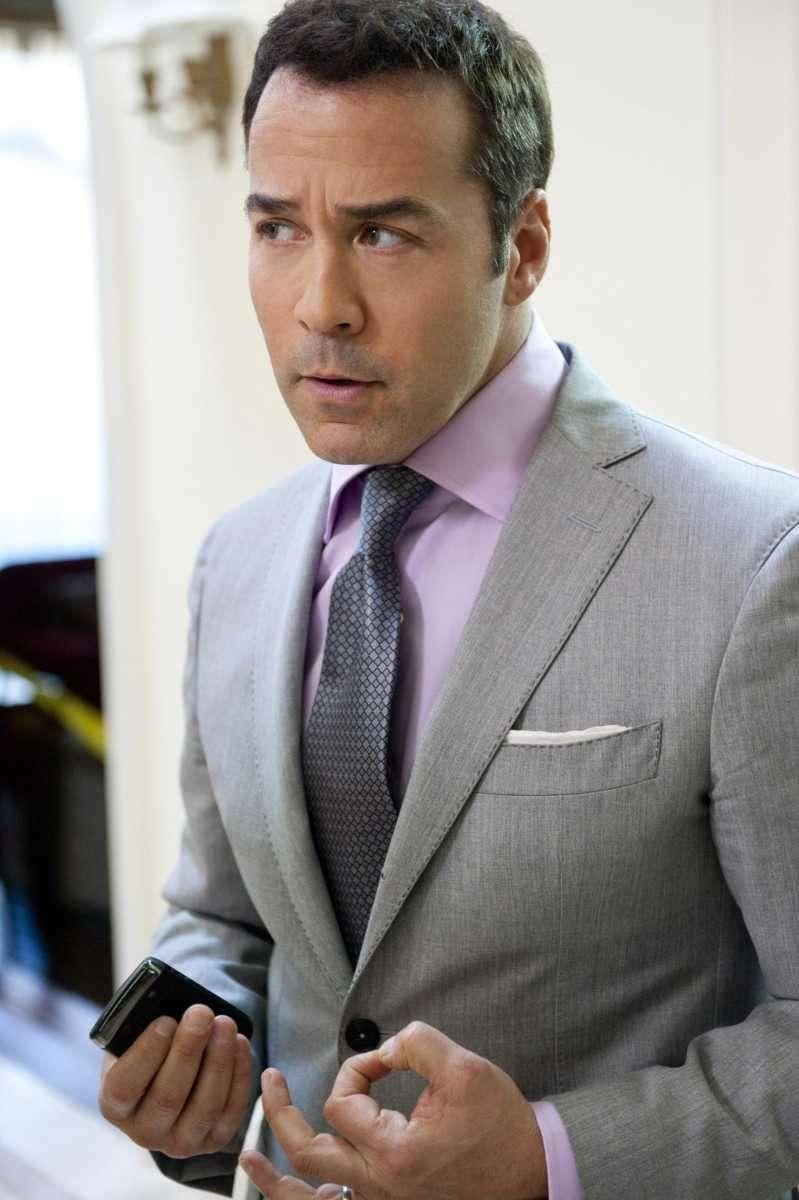 Jeremy Piven as Ari Gold in a scene