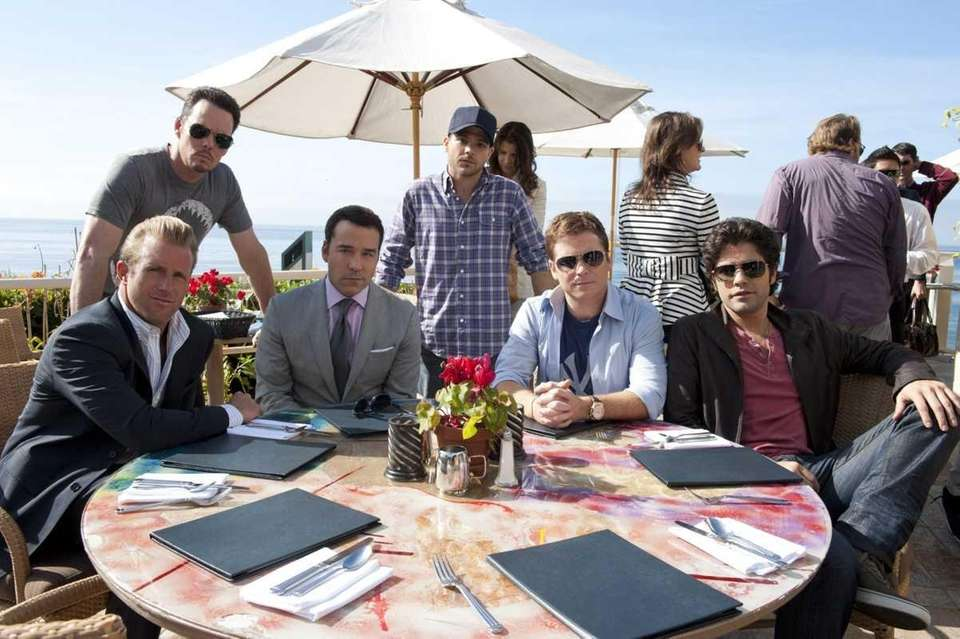 ENTOURAGE episode 89 (season 8, episode 1): Scott