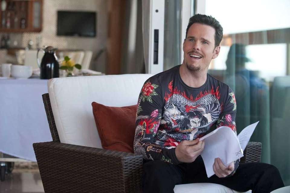 Kevin Dillon as Johnny Drama in a scene
