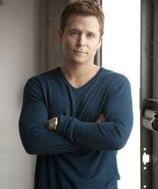 Kevin Connolly as Eric Murphy in a scene