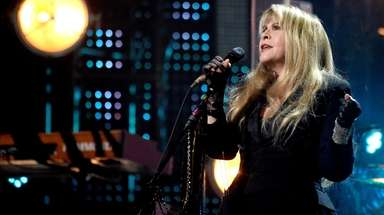 "Stevie Nicks performed ""Edge of Seventeen"" at the"