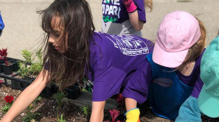 Young volunteers on I Love My Park Day