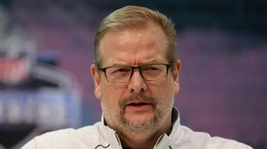 Jets general manager Mike Maccagnan speaks during a