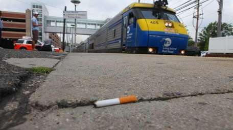 Commuters comment on the proposed smoking ban on