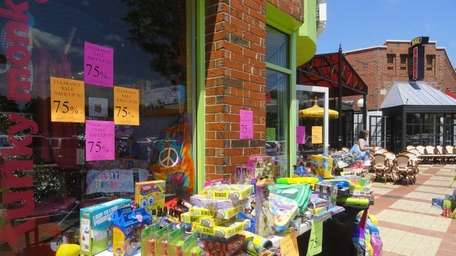 Wheatley Plaza holds its second ever Sidewalk Sale,