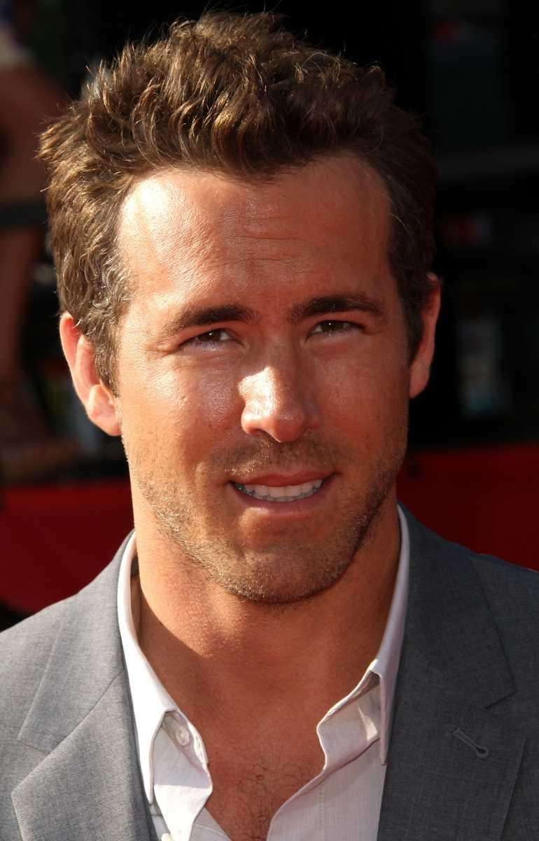 Actor Ryan Reynolds arrives at The 2011 ESPY