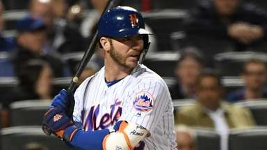 The Mets' Pete Alonso looks for his pitch