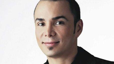 Lancome�s national artist, Manuel Villegas, gives make up