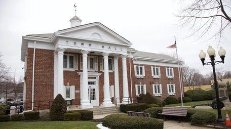 Smithtown Town Hall in 2016.