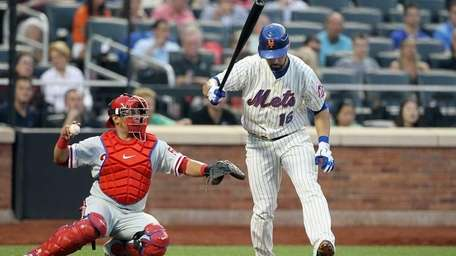 Angel Pagan of the Mets strikes out in