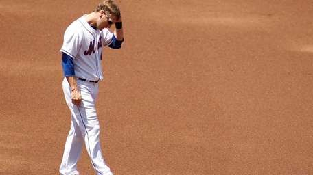 Jason Bay of the New York Mets reacts