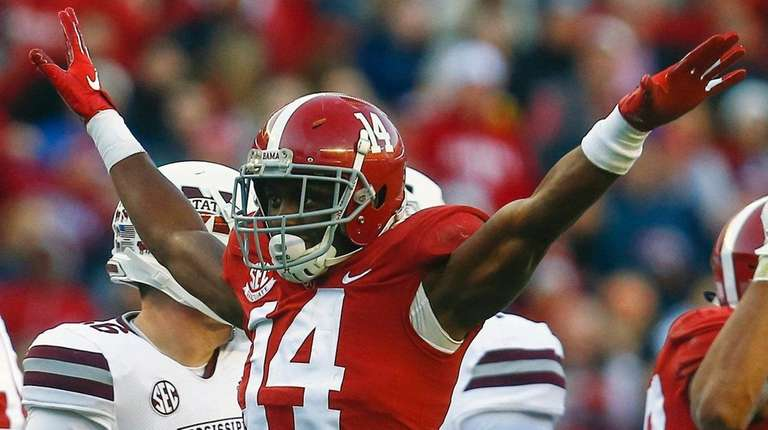 Alabama defensive back Deionte Thompson celebrates after Mississippi