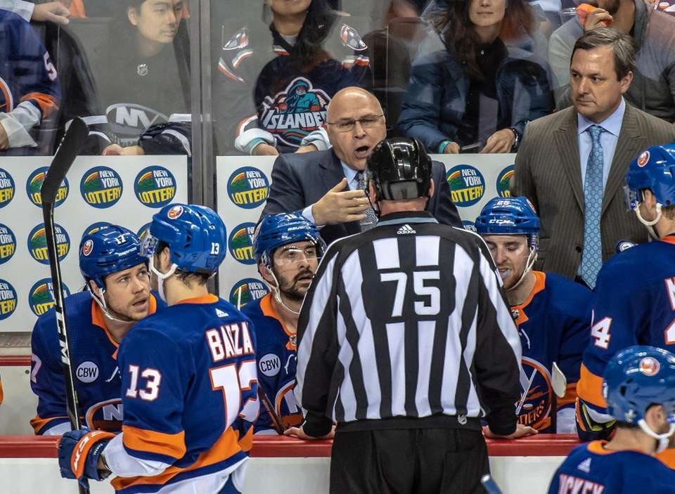 New York Islanders' head coach Barry Trotz talking