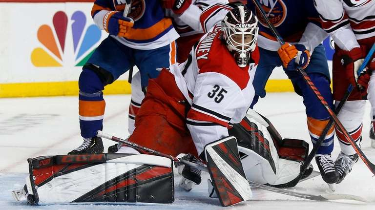 Hurricanes Curtis Mcelhinney Is Stellar In Net After Replacing