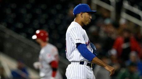 Edwin Diaz #39 of the Mets looks on