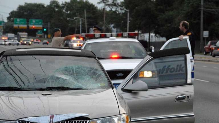 Suffolk cops: 4 pedestrians struck, killed   Newsday